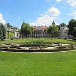 Pałac - widok z frontu