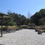 建物と一帯になった庭園