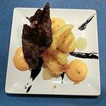 Calamar en tempura, mayonesa de kimchi y gel de limón