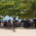 déjeuner sur la plage du souffleur