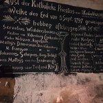 Foto van Kasteelruïne & Fluweelengrot