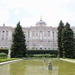 Palacio Real (panorámica lateral desde los Jardines de Sabatini)