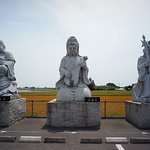 駐車場にある七福神の大仏