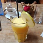 L'ottimo succo di arancia e mela