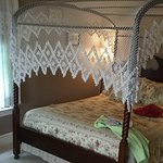 Four poster bed,