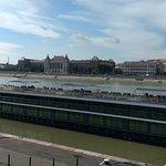 Vista do Rio Danúbio durante o dia.