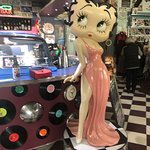 Foto de Cruzin' in the 50's Diner