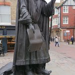 Chaucer statue