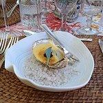 huitre sur fond d'épinard et caviar