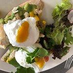 Kanapki z jajem poche