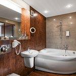 Deluxe room with jacuzzi - bathroom