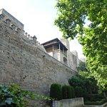 Jardines y muralla
