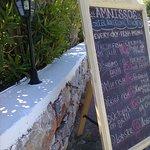 """Отдельное от """"всё включено"""" меню ресторана Amnissos"""