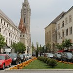 Professional Russian Tour Guide in Budapest - Car and driver for hire