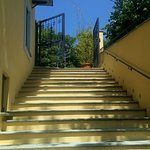 La scalinata che porta al ristorante