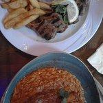 Schotel met lamskoteletjes en ovenschotel lamsbout met Griekse pasta