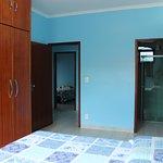 Site com cama de casal e banheiro privativo pode-se transforma-lo em quarto triplo/quadruplo