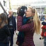 Photo walking tours Barcelona, having fun with the camera