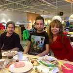 Kos med familie frokost på Ikea