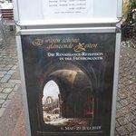 Info vor dem Museum.