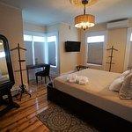 Sea Street Inn Luxury King