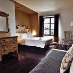 pavillon, chambre, deux lits queen, salle de bain douche