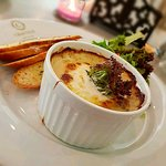 Petit Gratin au Fromage et Champignons Spinach & Mushroom Gratin served with toasted slices of b