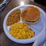 Pulled pork sandwich with mac & cheese & brunswick stew