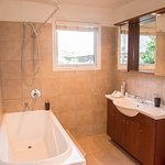 3 Bedroom Apartment Bathroom