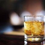 Espacios para relajarse con buena bebida y buenos amigos. Cheers! To good drinks and good friend