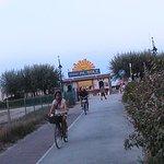 Велодорожка к одному из пляжей в Римини