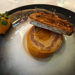 Marbré de foie gras de canard, thon rouge fumé et compotée de mangues