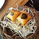 Huevos fritos con patata y trufa