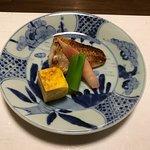 コース料理の5品目(焼き魚)