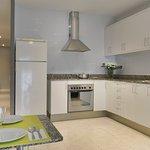 Kitchen View : Vista Cocina · Vista Cuina