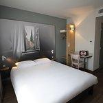 la chambre pour 2 personnes de l'Hôtel B&B Valence TGV Romans
