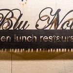 Blu Notte: sign