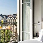 Chambre Classique balcon / Balcony bedroom