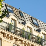 Façade et balcons de l'hôtel / Hotel's balconies