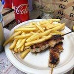 Spiedini di carne con patatine