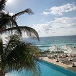 La mejor vista de playa y piscina
