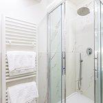 Bagno Deluxe con set di cortesia, shampoo, bagno schiuma e set asciugamani