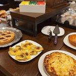 Colazione a Buffet con Prodotti Dolci e Salati, Artigianali, Tipici e di Qualità