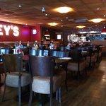 Foto de Harveys New York Bar and Grill