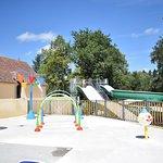 Un espace jeux d'eau ludique pour les plus jeunes de plus de 150m2