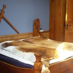 Viking style bed