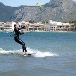 curso de kitesurf para principiantes Mallorca kiteschool en Julio