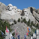 Avenue of Flags and Mount Rushmore