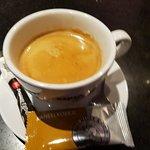 Dit is echt een geurige en goede koffie en lekker sterk van smaak.