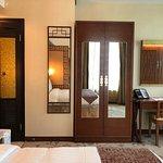 Lan Kwai Fong Hotel  - room